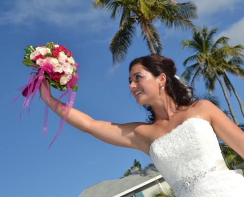 Braut mit Brautstrauß in Florida