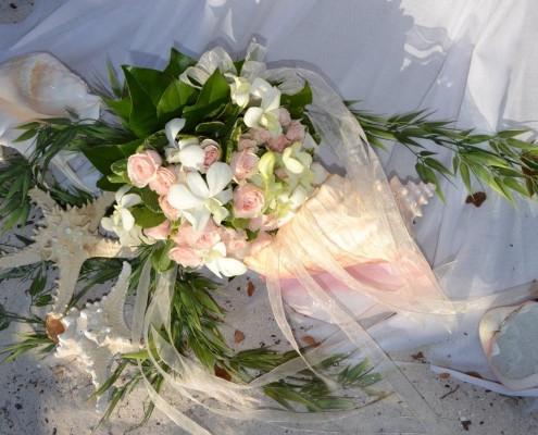 Brautstrauß bei Strandhochzeit