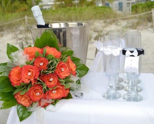 Brautstrauß mit Schmucksteinen