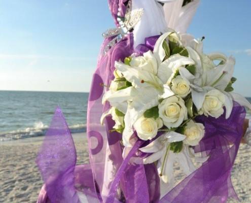 Brautstrauß weiß am Strand