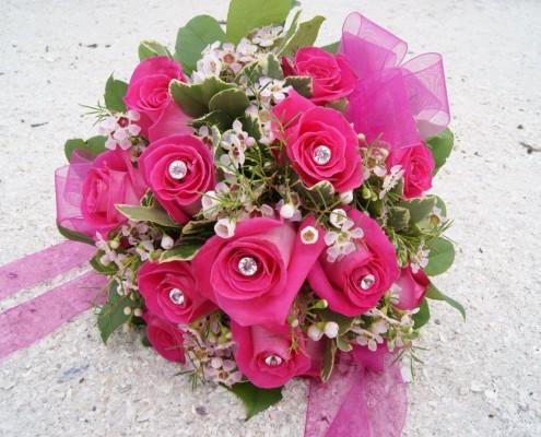 Brautstrauß pink am Strand