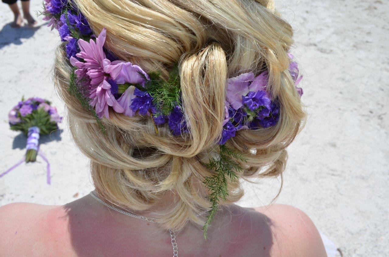 Blumenkranz gesteckte Haare