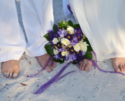 Brautstrauß violett weiß