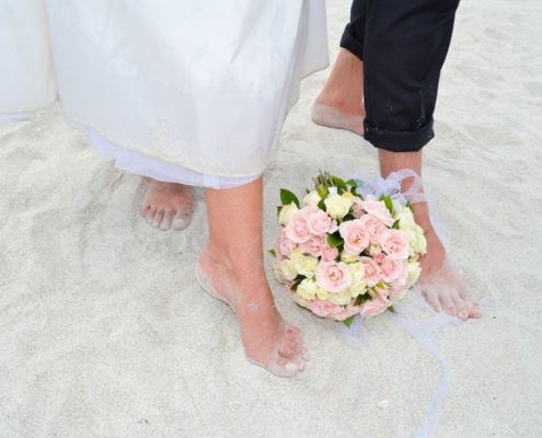 am Strand Barfuss heiraten