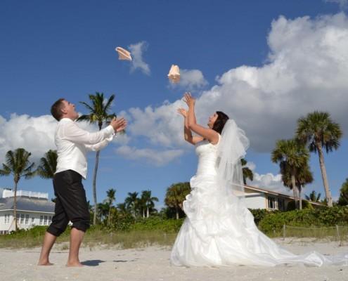 get marry in Naples