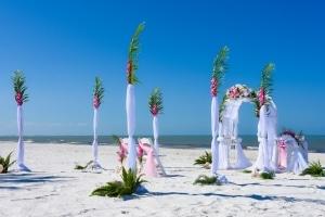 Rundbogen-Hochzeit-Bahama-Breeze