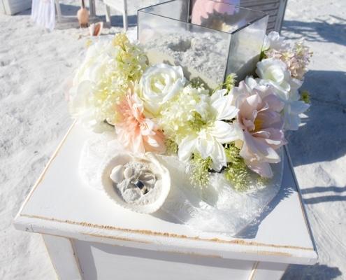 White-Vintage-Blume
