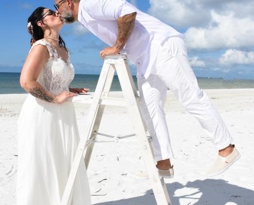 White-Vintage-Hochzeitspaar