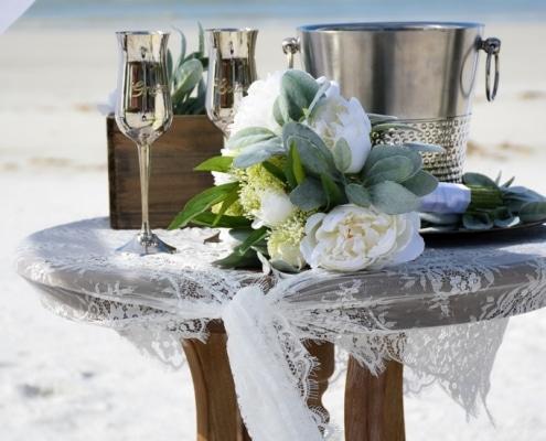 Dekoration-Hochzeit-Strand